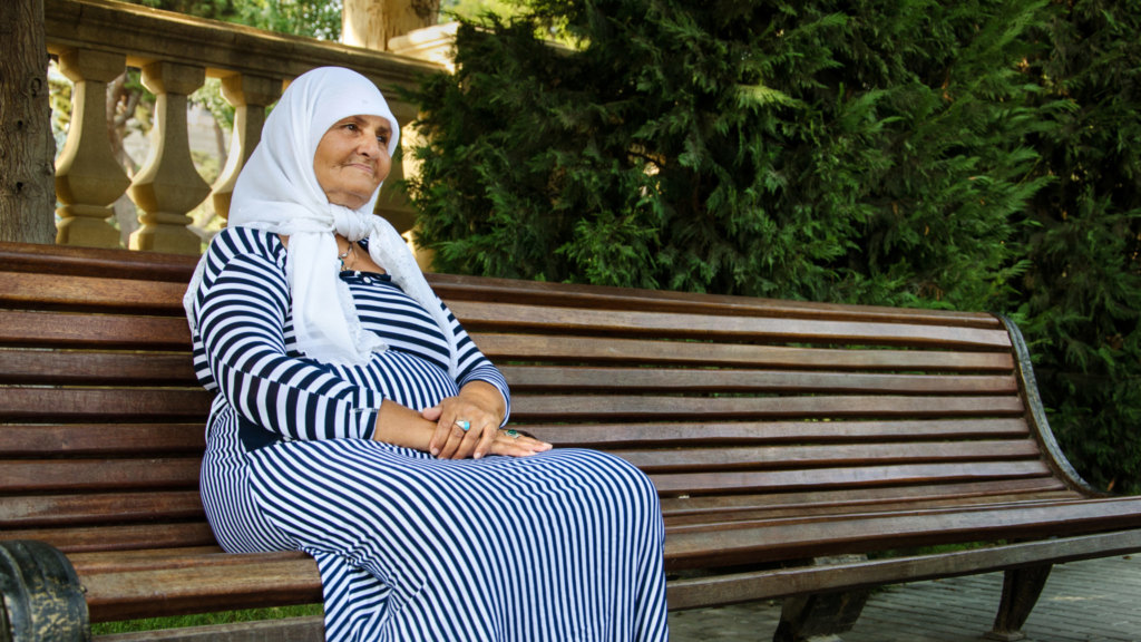 Baku-Azerbaijan-fortune-teller-bench