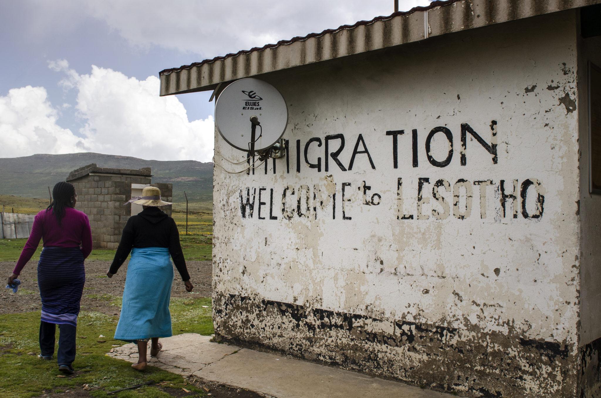 Sani-Pass-Drakensberg-South-Africa-Lesotho-Immigration
