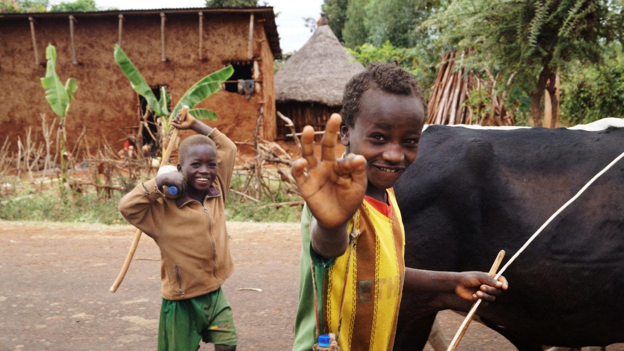 Southern-Ethiopia-Human-Zoo-Jinka-Kids