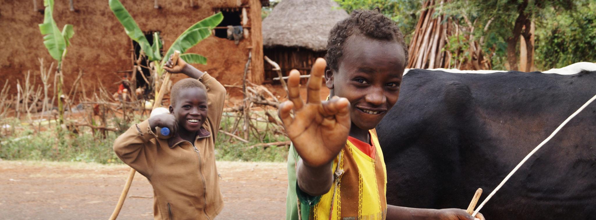 Southern-Ethiopia-Human-Zoo-Jinka-Kids-Slider