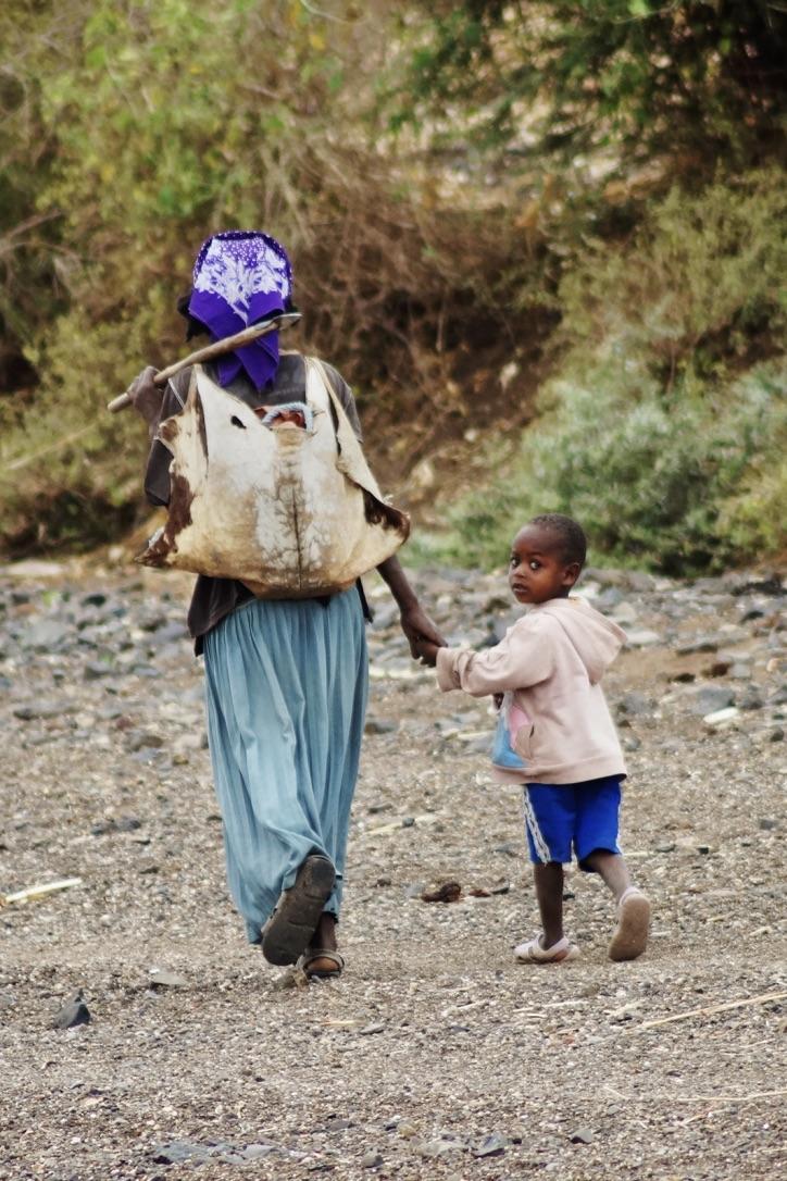 Southern-Ethiopia-Human-Zoo-Mother-Kid
