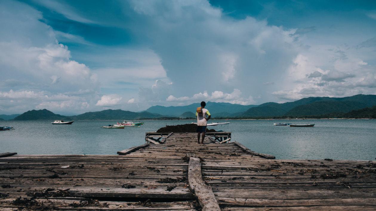 Sumbawa-Pier-Man