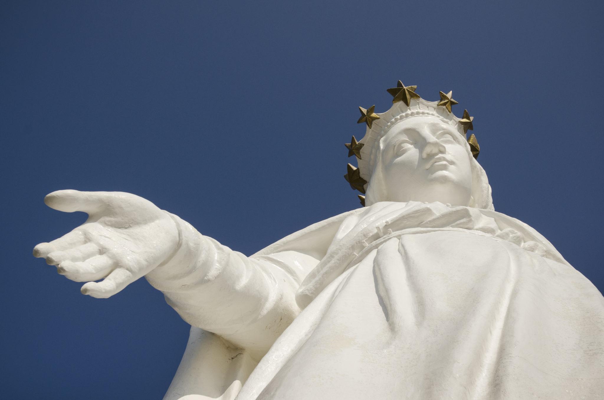 Visit-Lebanon-Harissa-Statue