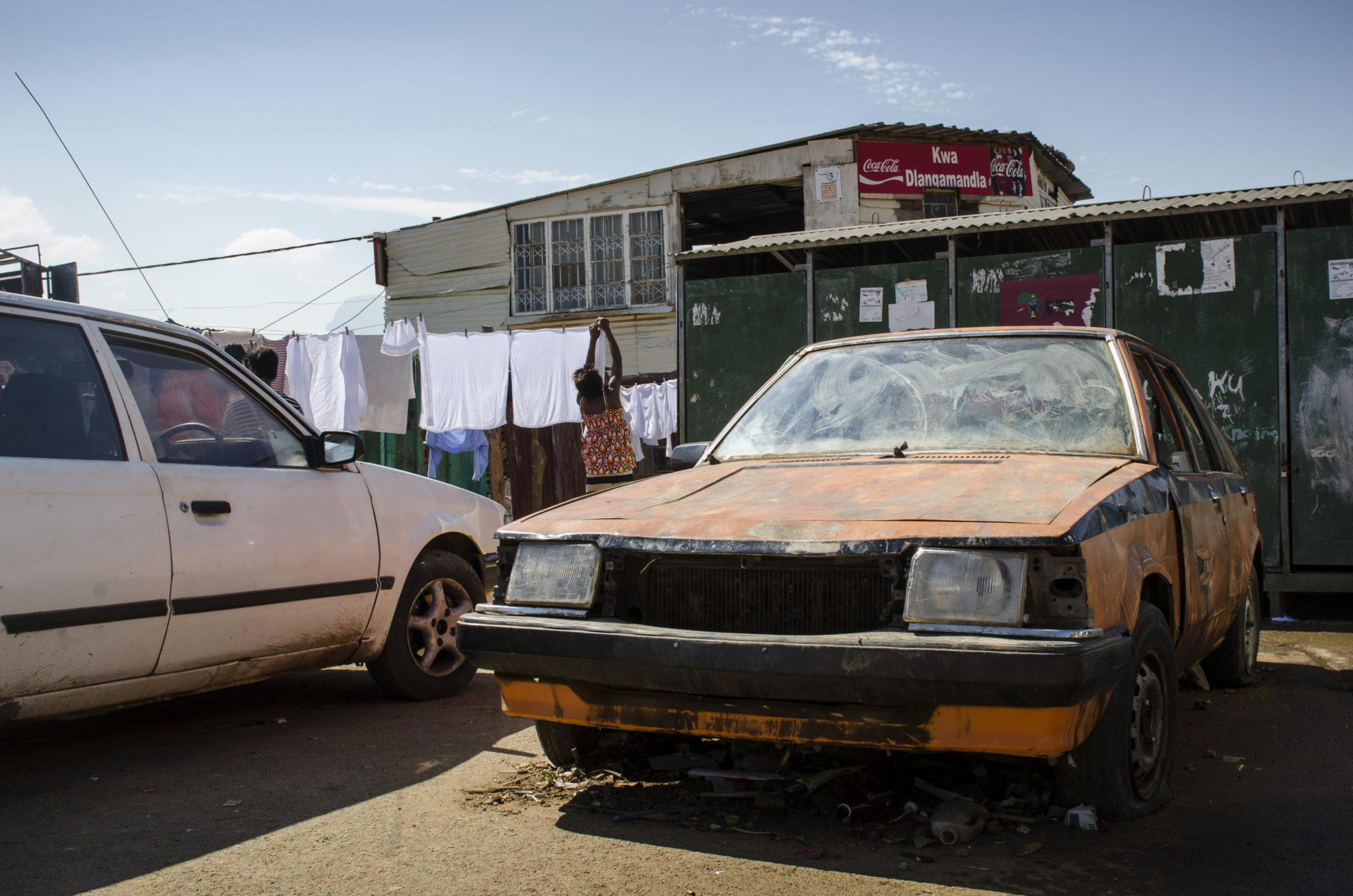 kayamandi-township-stellenbosch-southafrica-car