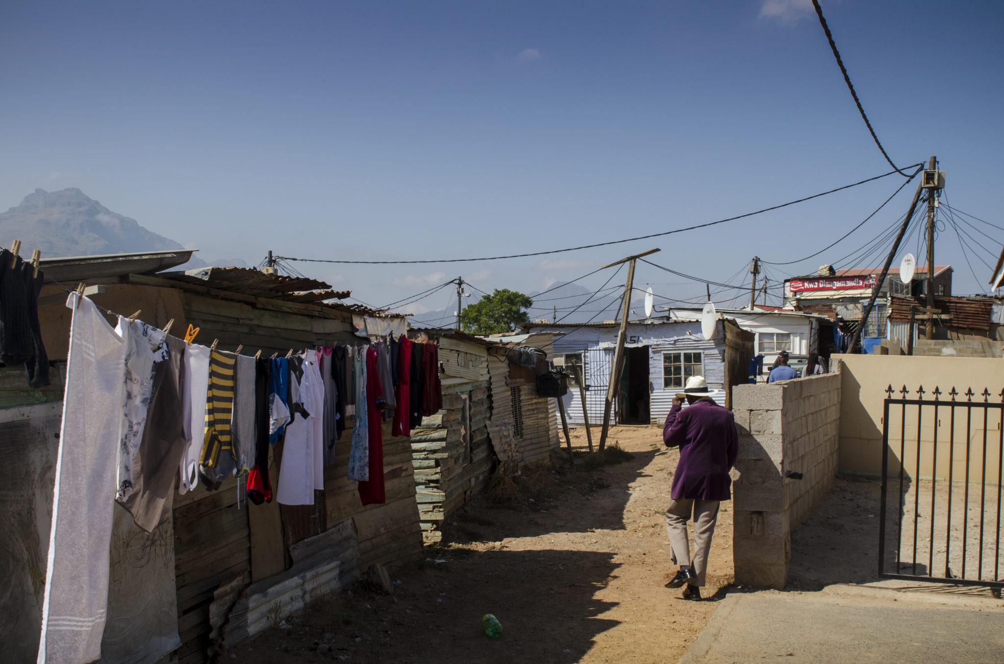 kayamandi-township-stellenbosch-southafrica-old-man