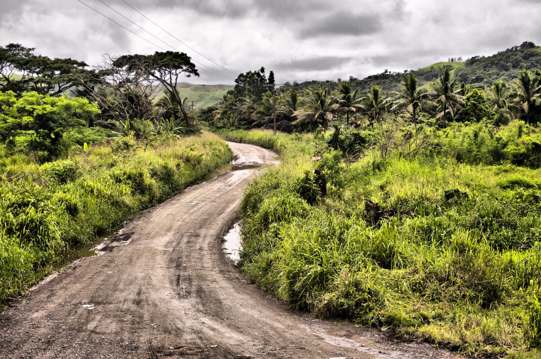 Fiji-travel-dirtroad