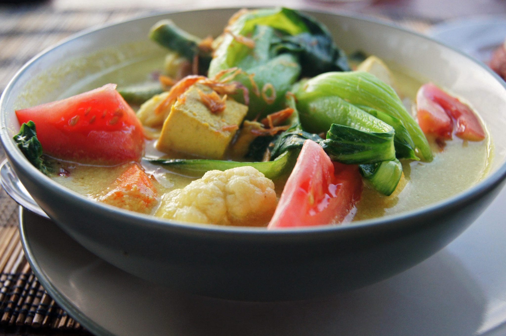 Indonesia-travel-guide-Curry