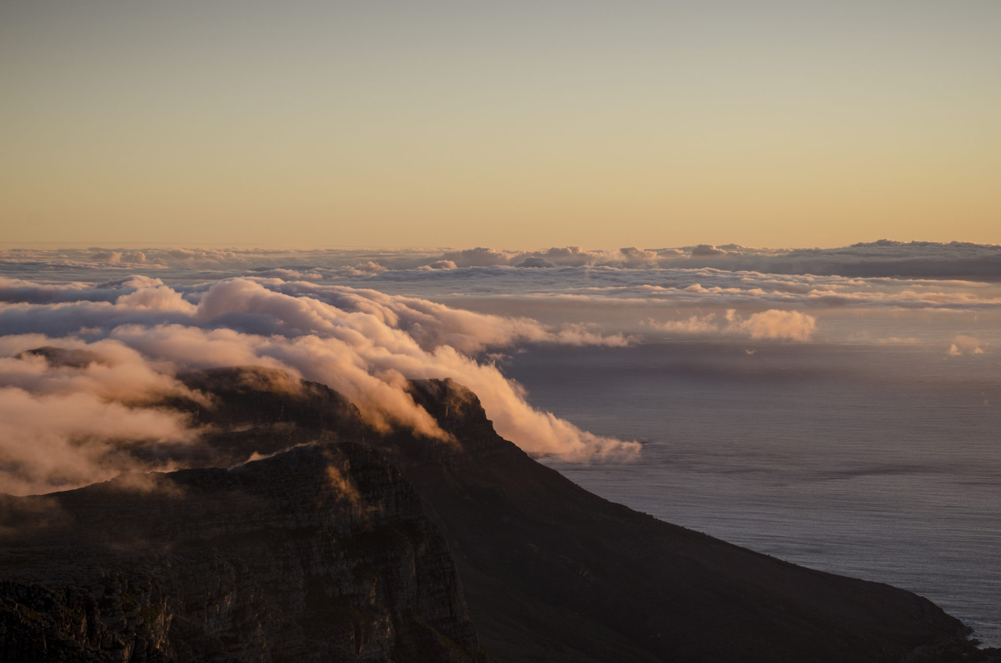 Things-to-do-in-South-Africa-Cape-Town-Table-Mountain-Sunset