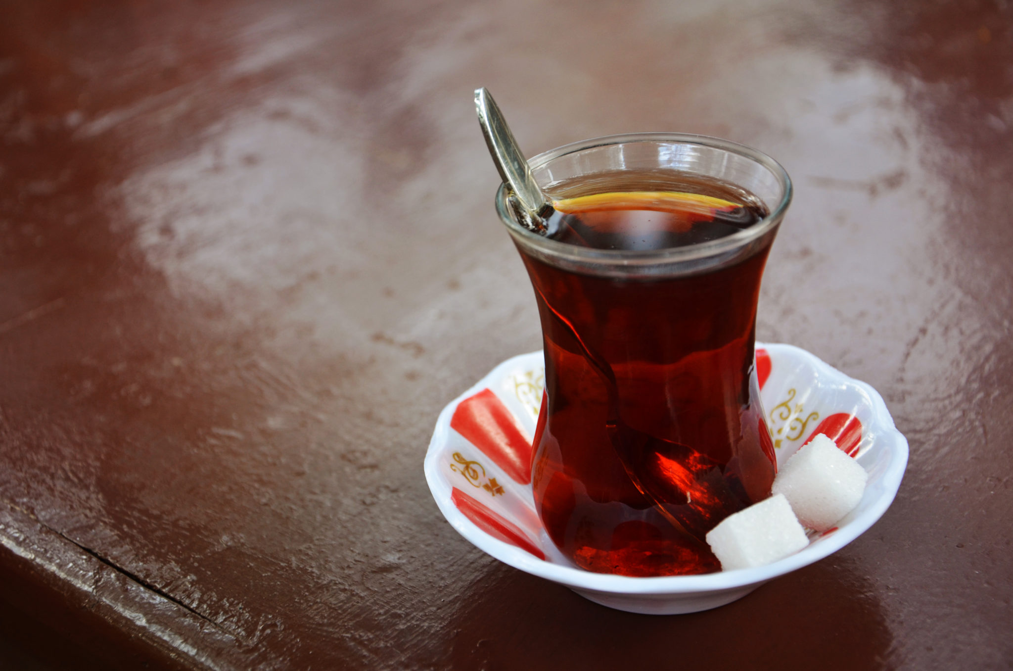 Things-to-do-in-Turkey-Turkish-Tea-black-tea
