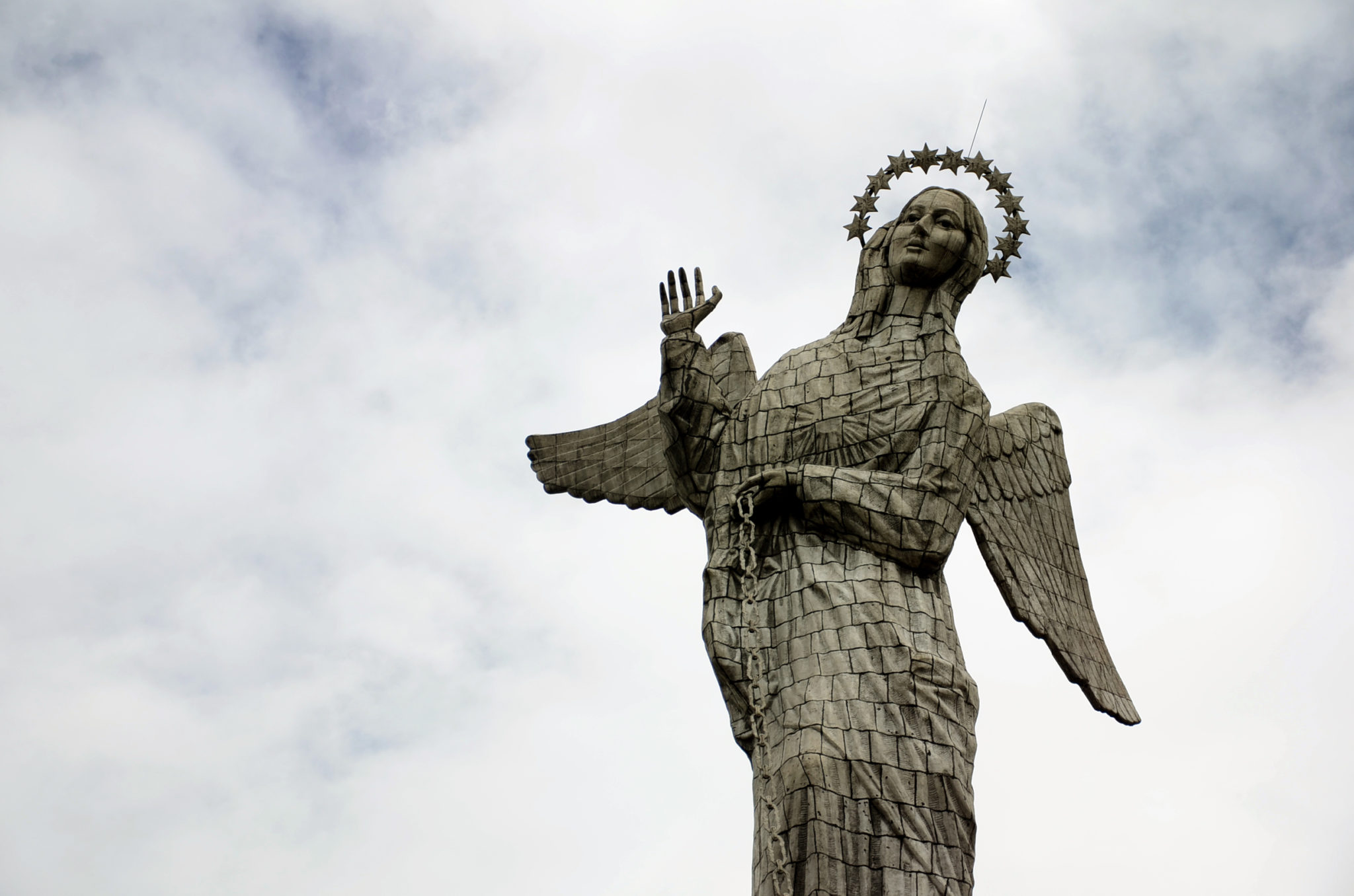 Things-to-see-in-Ecuador-Quito-El-Panecillo-Statue