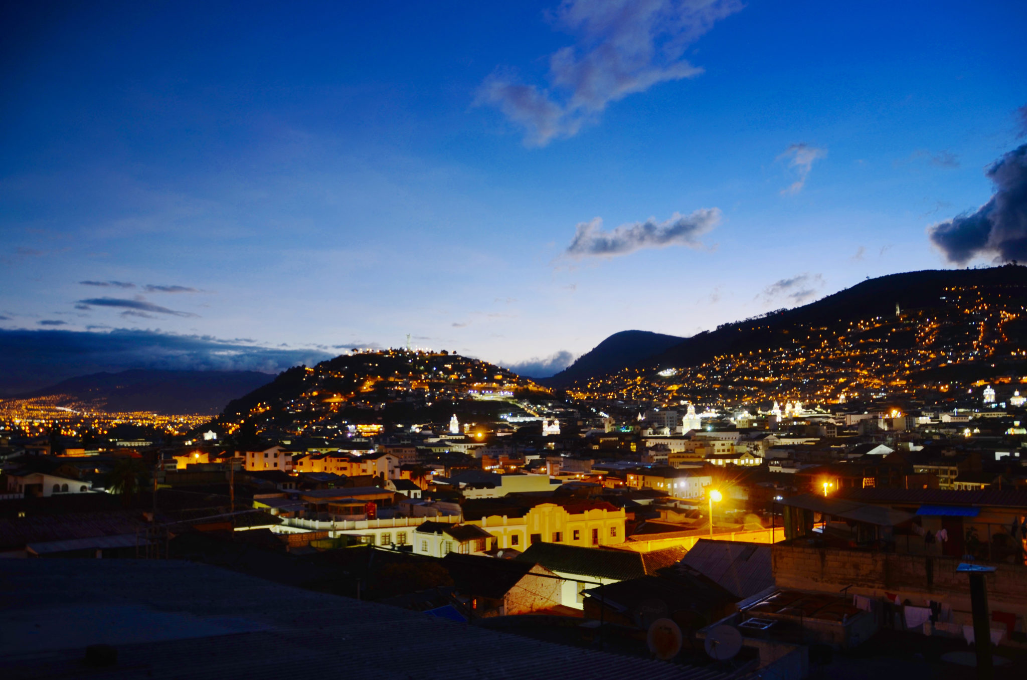 Things-to-see-in-Ecuador-Quito-Night-Panorama