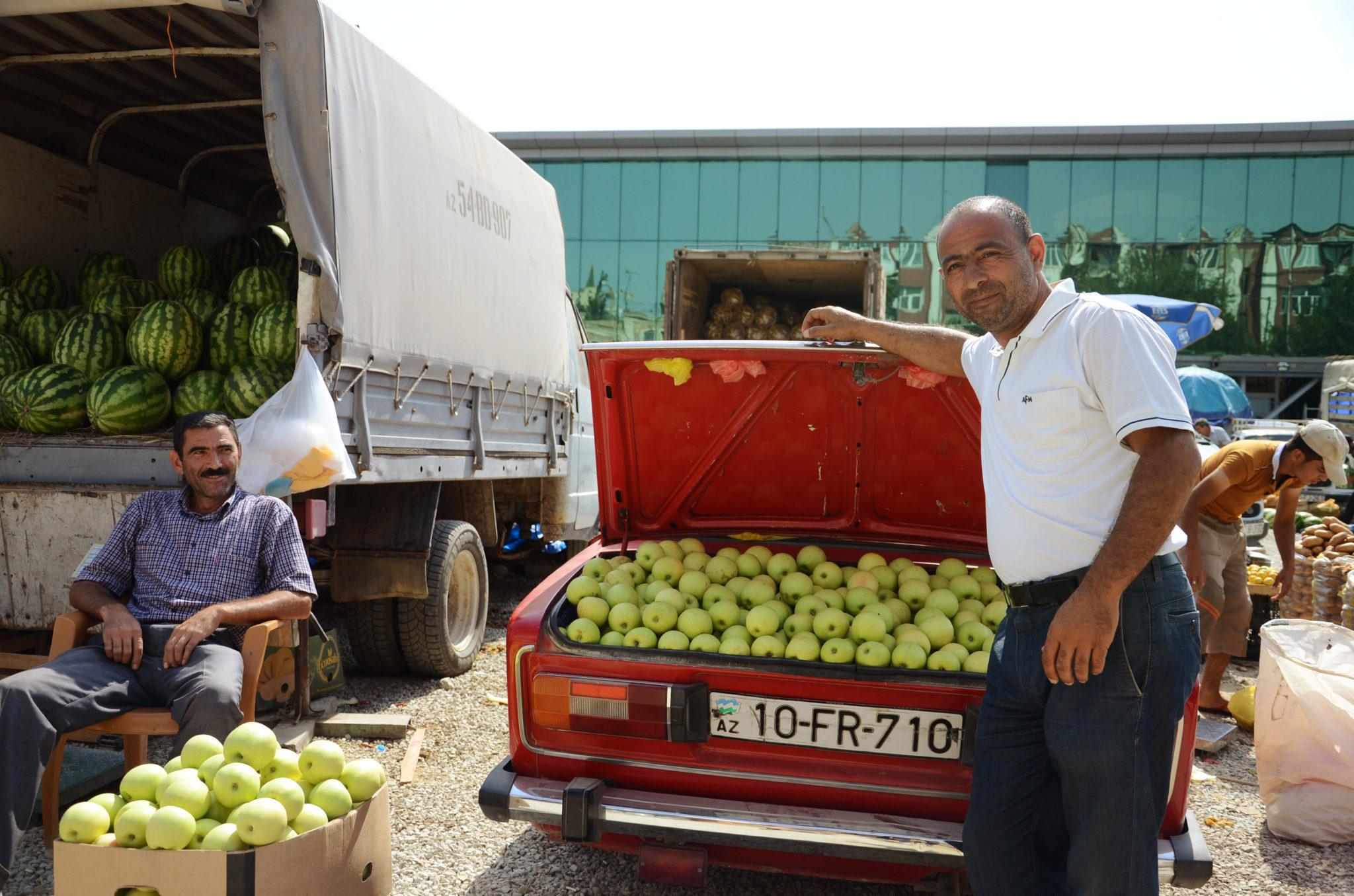 Visit-Azerbaijan-Baku-Market