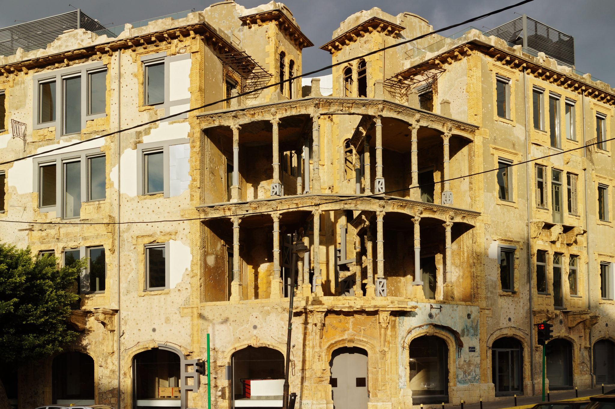 Things-to-do-in-Lebanon-war-house