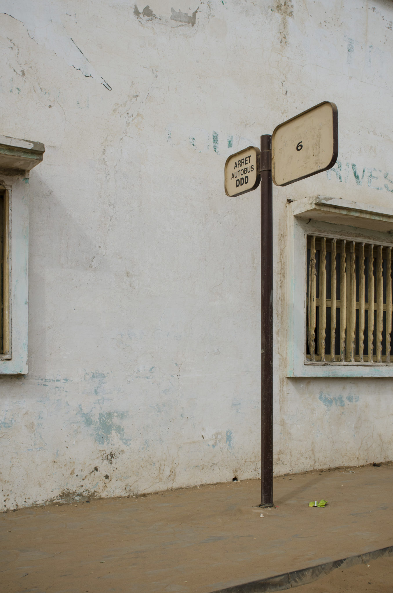 Mbour-Petite-Cote-Senegal-bus-stop