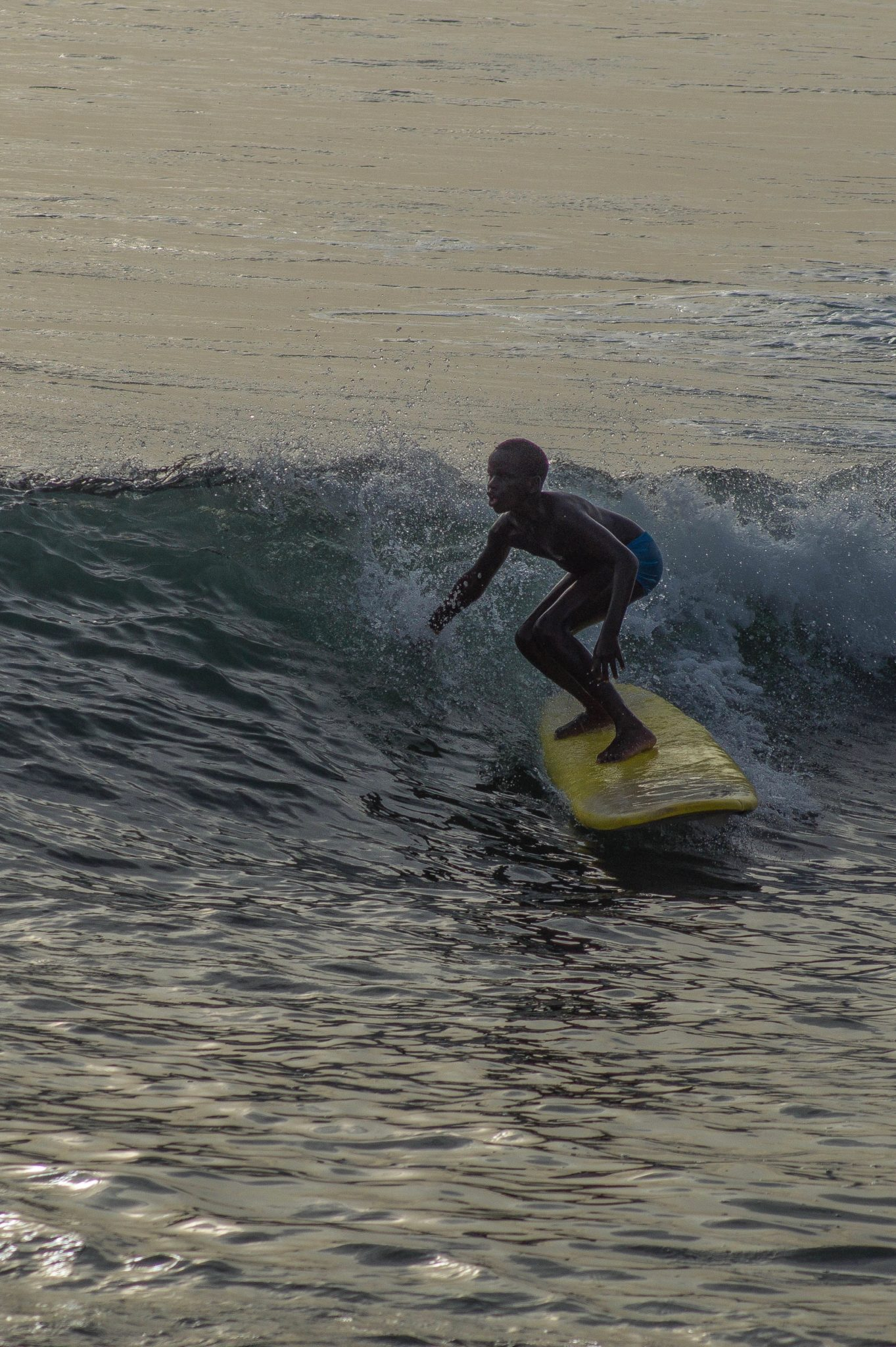 Senegal Surf: Waves in Senegal have a perfect size for both, beginners and intermediate surfers