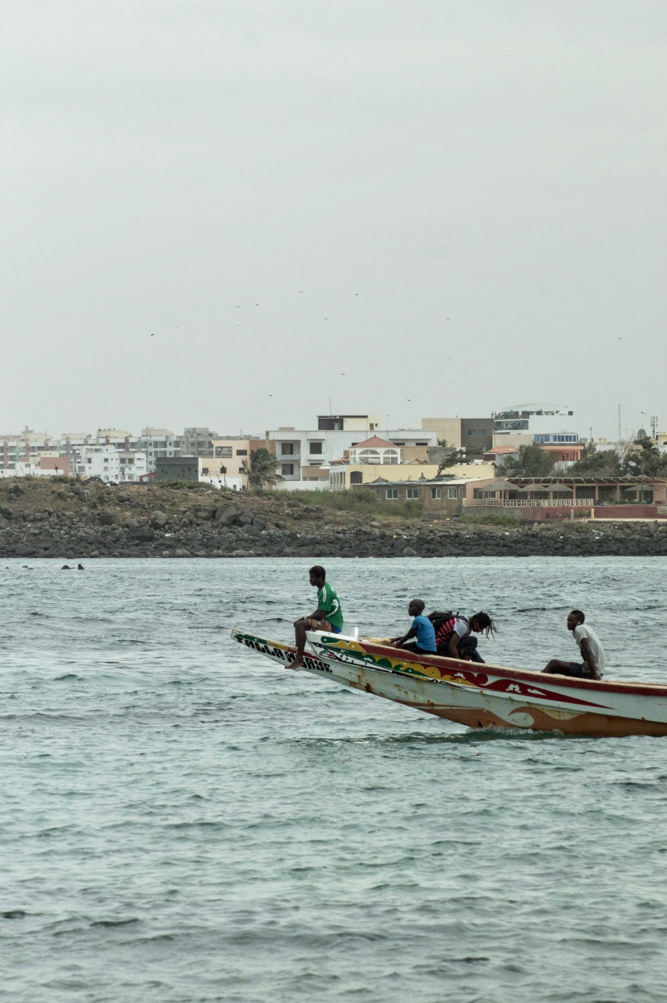 Senegal Surf: Small boats take visitors from Dakars mainland to Ngor Island