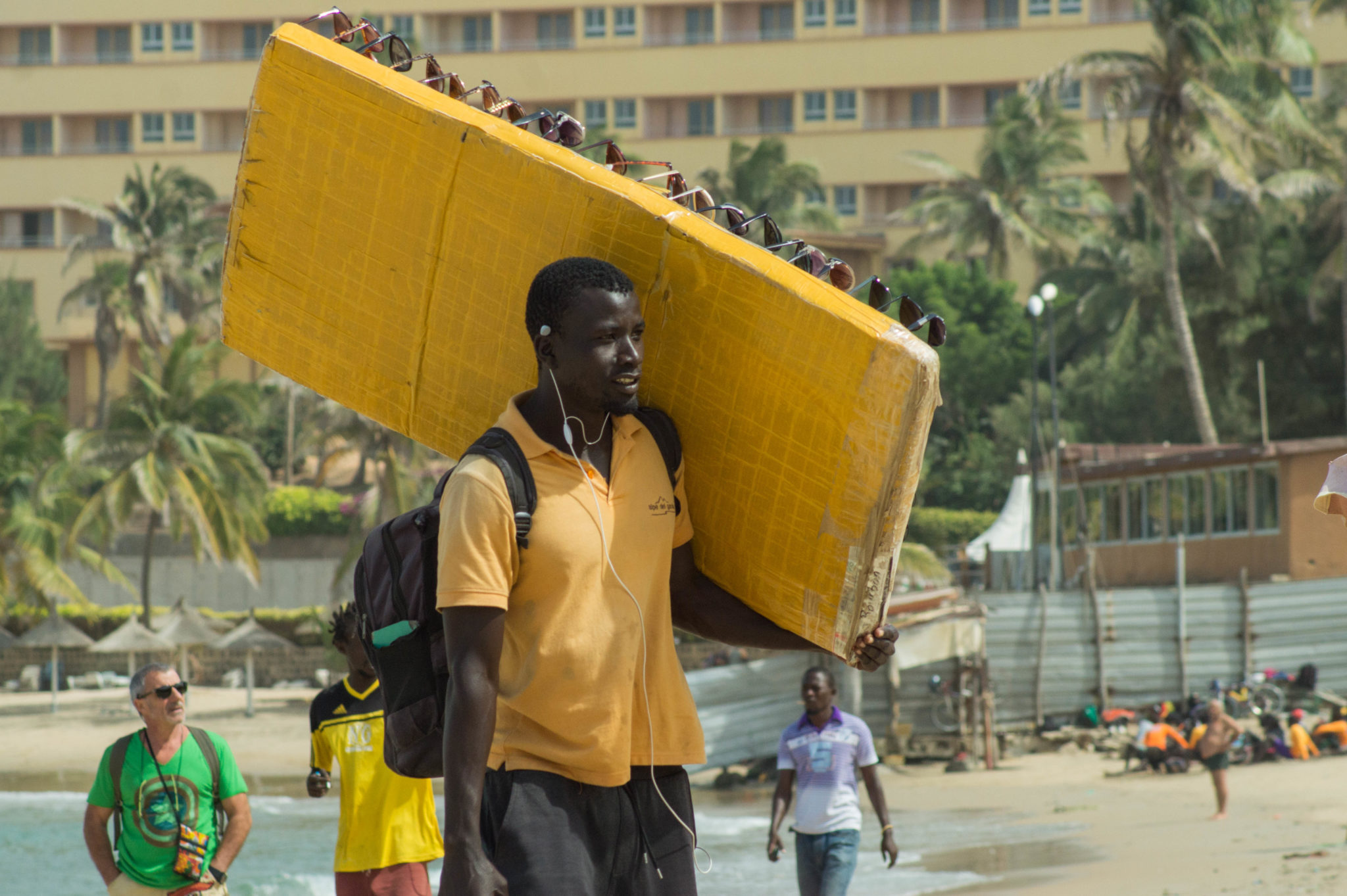 Senegal Surf: Vendors on Dakar's beaches.