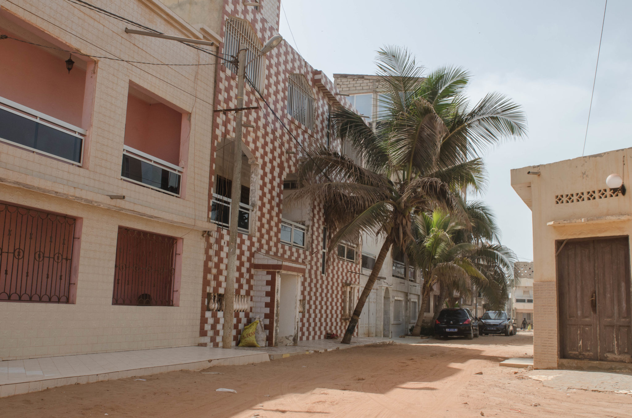 Senegal Travel Blog: Wander through little alleys and be surprised by the beautiful architecture surrounding you.
