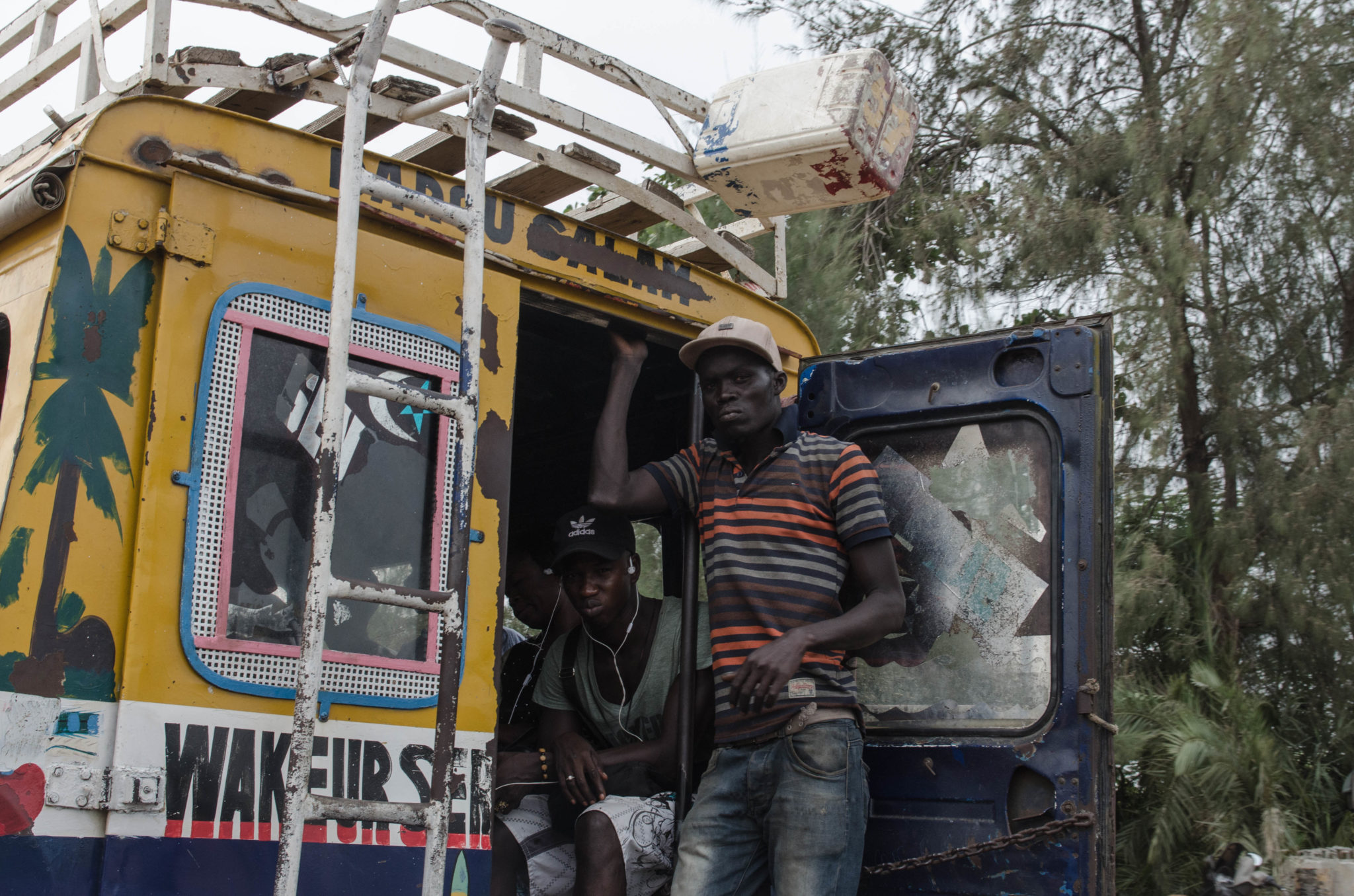 Senegal Travel Advice: Busses in Senegal are old, rusty, colourful and charming.