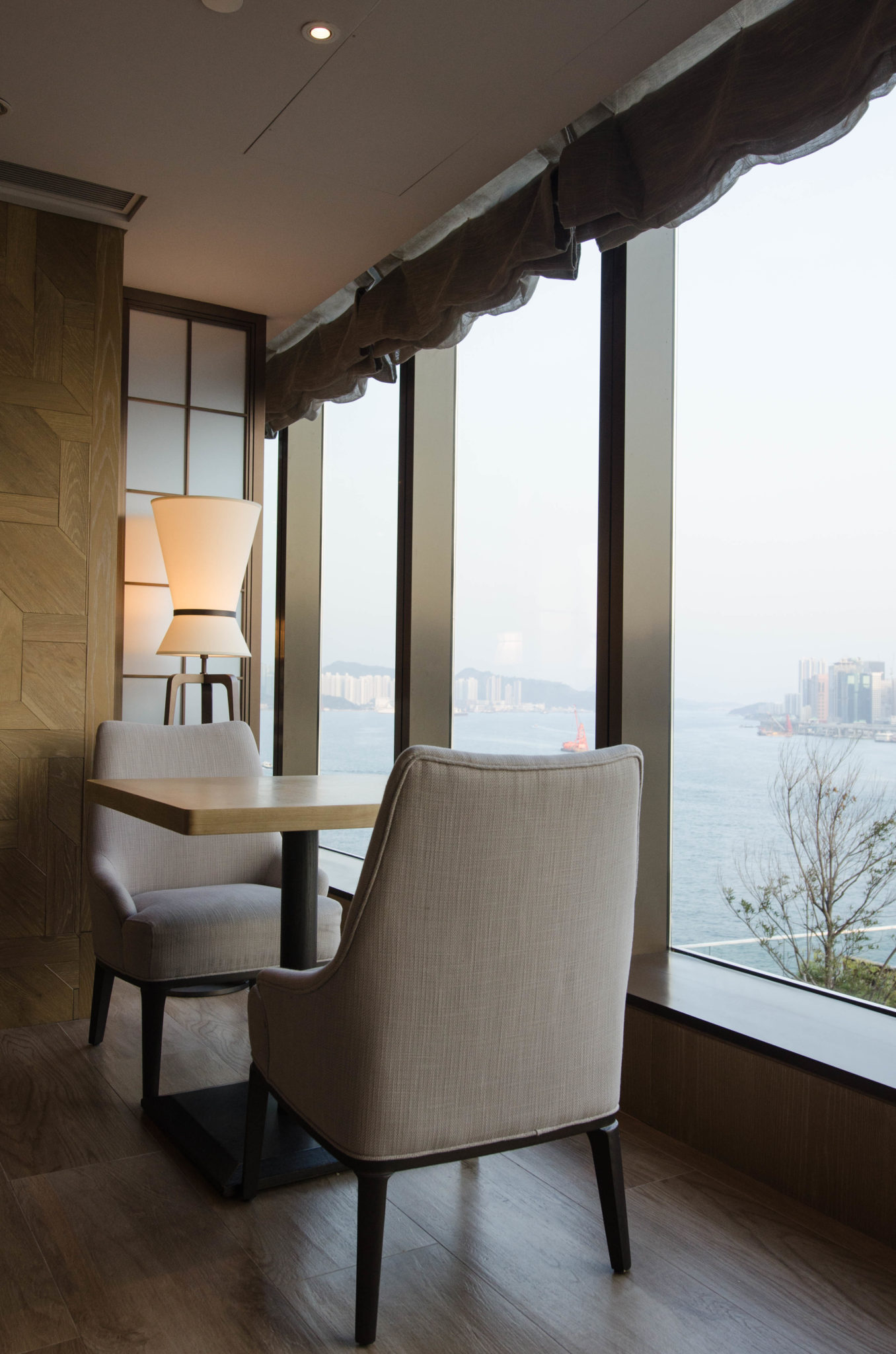 The Kerry Hotel Hong Kong in Hung Hom is located right at the Pearl River.