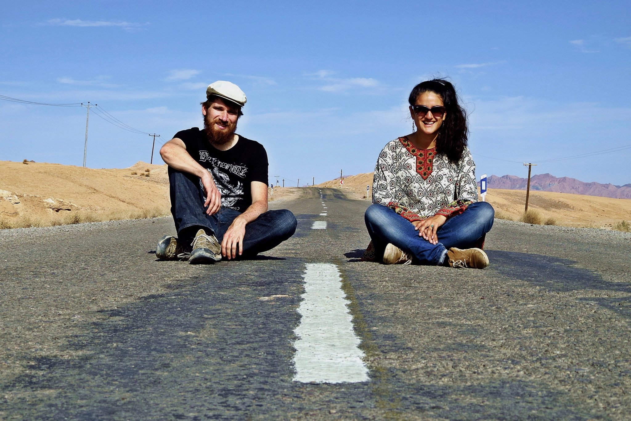 Hitchhiking to India: The German authors Morten Hübbe and Rochssare Neromand-Soma went all the way from Germany to India hitchhiking.